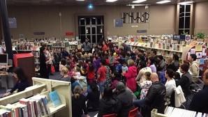 Una señora se retrasa 67 años en devolver un libro a la biblioteca pero no recibe ninguna multa