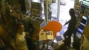 Un perro evita un atraco en la tienda de su dueño en Francia