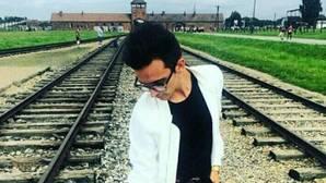 Indignación por hacerse estas fotos posando en Auschwitz