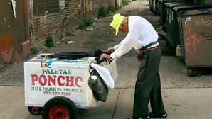 Facebook: La imagen de un anciano vendedor de helados recauda 115.000 dólares y le cambia la vida
