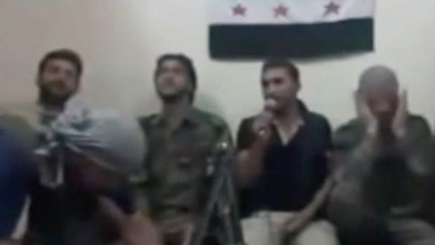 Supuestos rebeldes sirios se inmolan por error al usar un móvil detonador para hacerse un selfi
