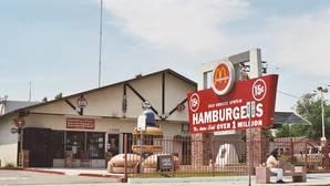 El origen del logo de McDonald's, dos semicírculos que se convirtieron en una «M»
