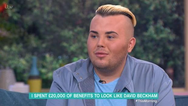 Jack Johnson no repara en gastos para ser el clon de David Beckham