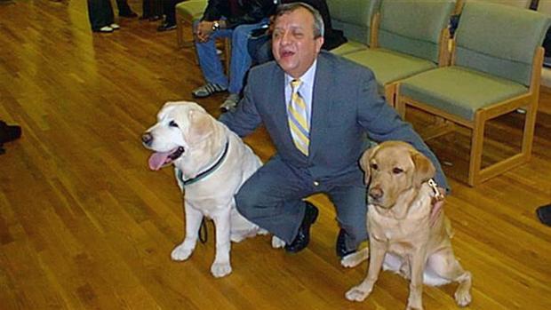 El perro guía que regresó a la torre para salvar a su dueño en el 11-S