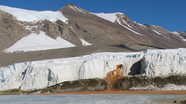 Las llamadas «cataratas de sangre», situado en los Valles secos de McMurdo