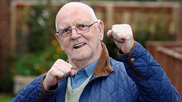 Ernie Hanratty, el exboxeador de 85 años que fue atracado en Reino Unido