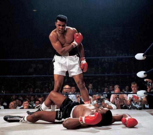 Muhammad Ali vs. Sonny Liston. Neil Leifer, 1965