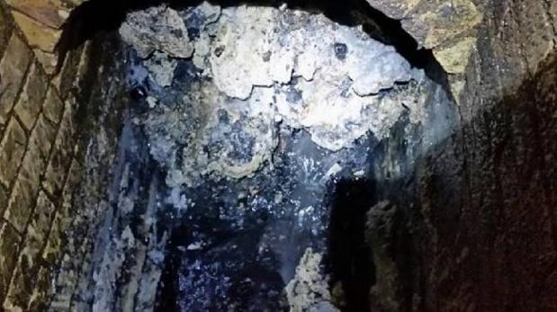 Imagen de la sólida masa de basura encontrada en Londres