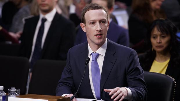 Mark Zuckerberg, durante su comparecencia este miércoles en el Senado