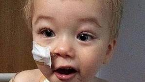 Kiam,, niño con neuroblastoma