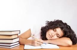 La estimulación cerebral durante el sueño podría mejorar la memoria en el alzhéimer