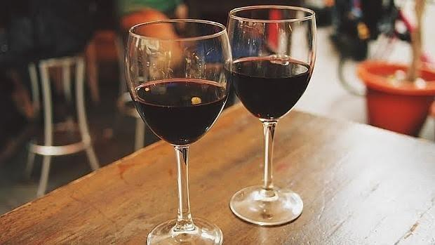 Aún en pequeñas cantidades, el alcohol se asocia a un mayor riesgo de fibrilación auricular