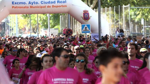 Carrera solidaria con el cáncer de mama en Ciudad Real