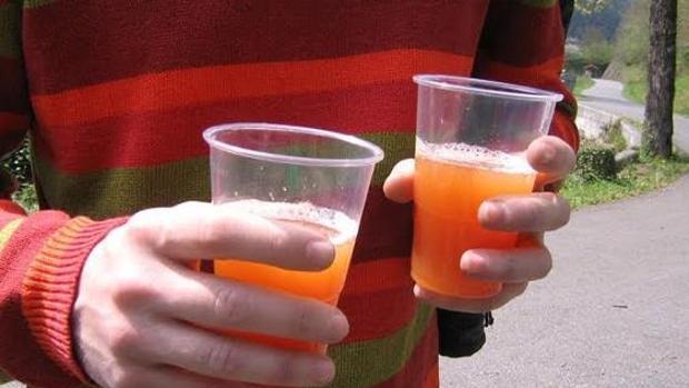 El 'binge drinking' provoca alteraciones en el cerebro de adolescentes y jóvenes