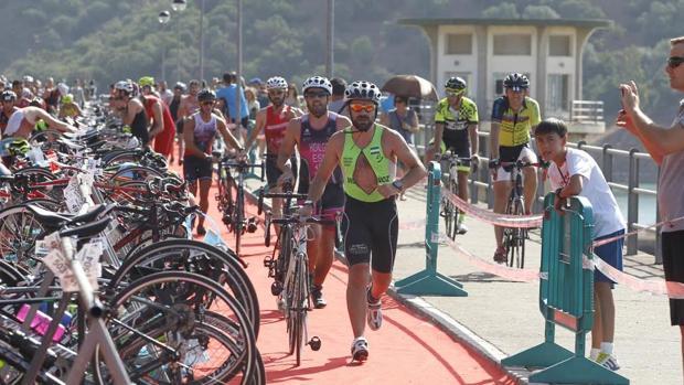 El ejericio extremo, caso del triatlón, aumenta el riesgo de fibrosis miocárdica