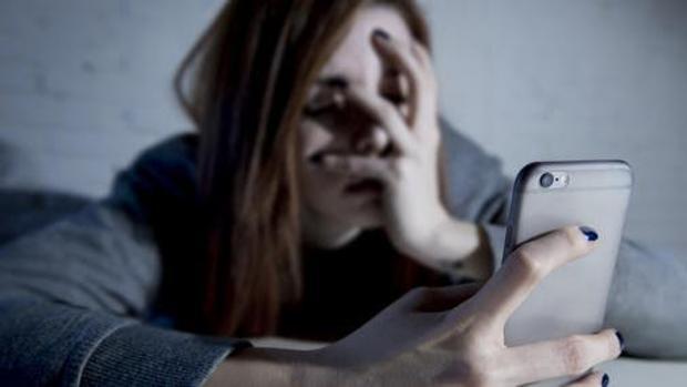 Abusar de los teléfonos móviles podría crear desequilibrios químicos en el cerebro