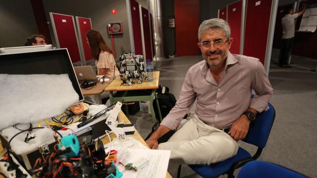 El investigador español José del R. Millán
