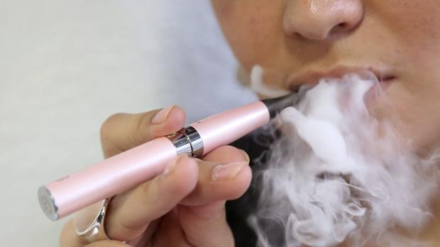 Los e-cigarrillos podrían tener un efecto más negativo que positivo sobre la salud pública