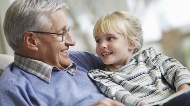 La OMS ha creado iSupport, un programa de formación en línea para cuidadores de personas con demencia