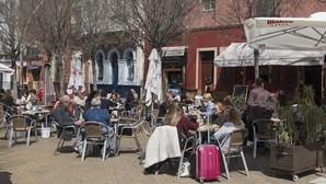 Urbanismo sanciona en tres meses a 70 bares de Sevilla por veladores no autorizados