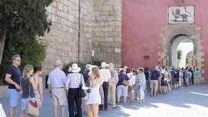 El Alcázar de Sevilla pretende acondicionar el acceso de turistas por el Patio del León