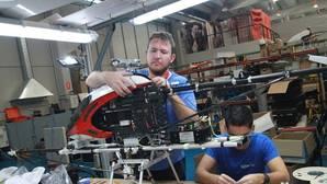 Drones diseñados en Sevilla para localizar aves o vigilar grietas de puentes