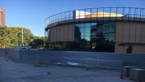 Vecinos de Plaza de Armas claman contra el cierre del entorno del nuevo Mercadona