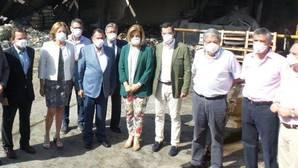 El Gobierno y la Junta garantizan el empleo en la fábrica de Ybarra