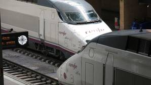Renfe ya no devolverá el dinero a los pasajeros del AVE a Sevilla que lleguen con cinco minutos de retraso