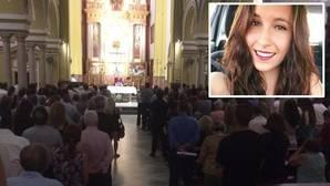 La parroquia de San Benito se llena de familiares, amigos y políticos para despedir a Nadia Mechaala