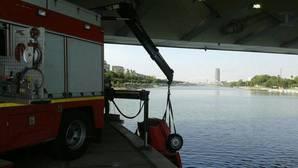 Arrojan un coche robado al río Guadalquivir, el segundo en una semana en Sevilla
