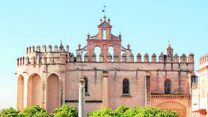 Roban dos azulejos de Niculoso Pisano en el Monasterio de San Isidoro del Campo