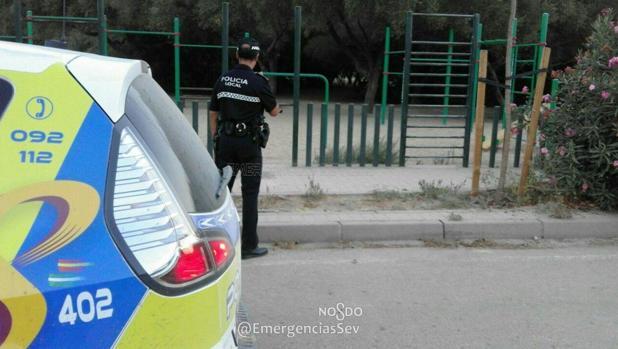 Cae desplomado por el calor cuando hacía deporte en Sevilla