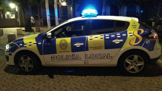 La Policía Local de Sevilla ha detenido a un hombre de 30 años por una presunta gresión