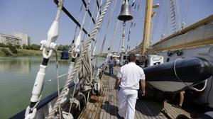 Hace una semana atracó en el puerto de las Delicias el buque escuela portugués «Creoula»