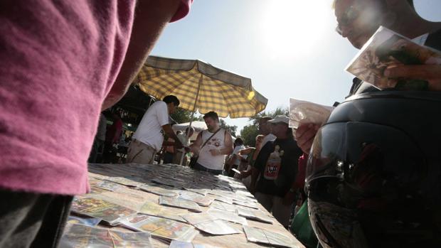 Espadas se gasta el presupuesto de Zoido para el comercio tradicional en ayudas a la venta ambulante