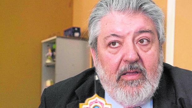 El funcionario Rafael Carretero, en su despacho del Ayuntamiento