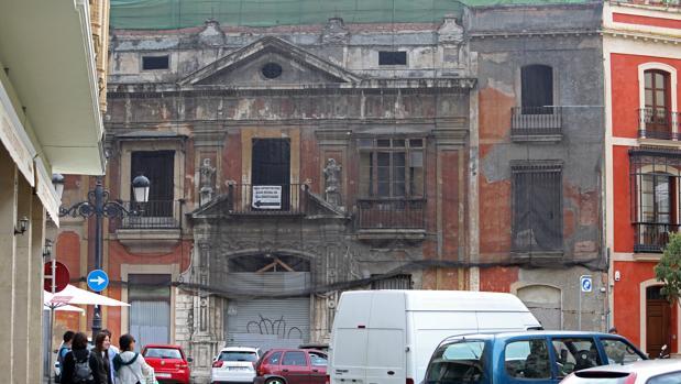 Obras paralizadas desde 2011 en la Casa de la Moneda, en pleno Centro histórico de Sevilla