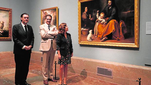 Miguel Zugaza, Gabriele Finaldi y Anabel Morillo, en el Prado junto a un Murillo que estará en la exposición