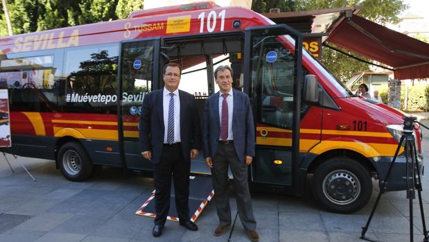 Presentación de los nuevos microbuses que darán servicio en la línea C5 de Tussam