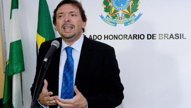 Ballesteros, en su etapa de cónsul honorario de Brasil
