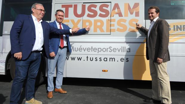 Inauguración de la línea de autobús que conectará Blas Infante con la Cartuja