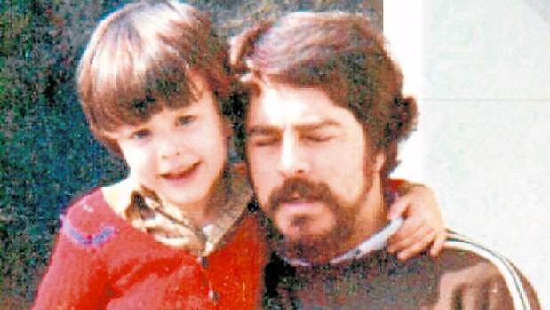 Antonio Cedillo posa con su hijo José Miguel