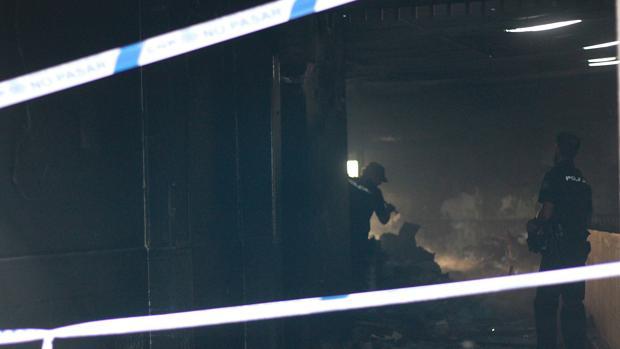 Muere calcinado en un local abandonado de la Candelaria que resultó devastado por las llamas