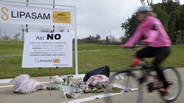 Carteles de una de las campaña de concienciación de Lipasam