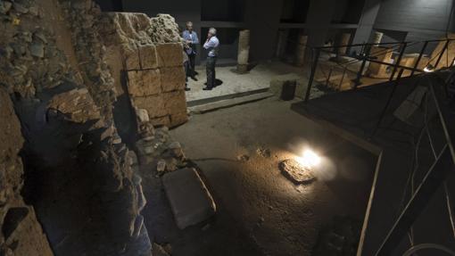 Cripta arqueológica del Patio de Banderas