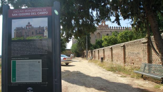 Entrada del Monasterio de San Isidoro del Campo