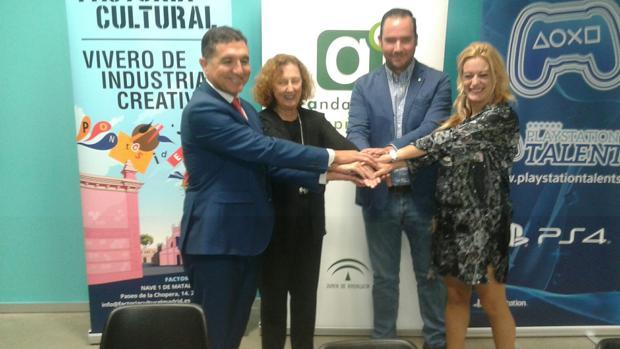 Andalucía Emprende y Factoría Cultural facilitarán la instalación de la incubadora de PlaySation en Sevilla