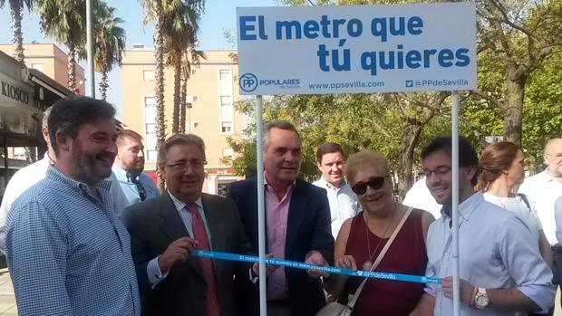 El portavoz municipal del PP, Juan Ignacio Zoido, y el presidente del partido en Sevilla, Juan Bueno