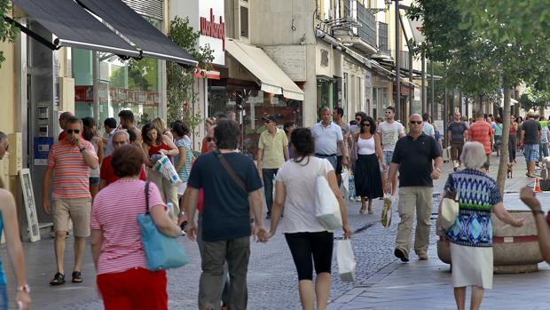 La calle Tetuán, una de las más activas vías comerciales de Sevilla